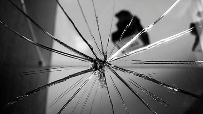 Ayna kırılması batıl inancı