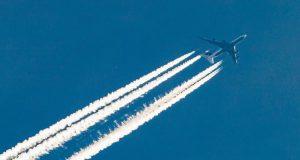 uçak havada neden iz bırakır